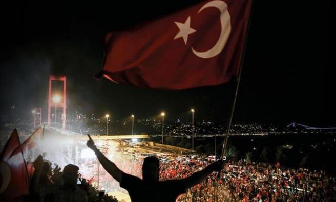 15 Temmuz Demokrasi ve Milli Birlik Günü'nde Türkiye tek ses!
