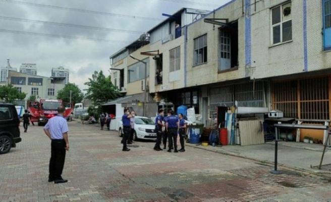 Başakşehir'de sanayiciler sitesinde patlama! Yaralılar var