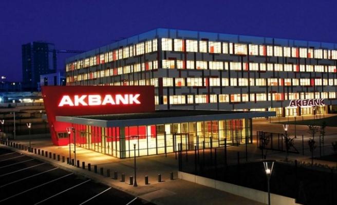 Dünya bankacılık tarihinde bir ilk: Akbank tam 26 saattir çalışmıyor