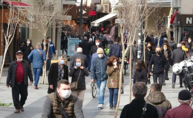 Türkiye iki doz aşılamada geride kaldı