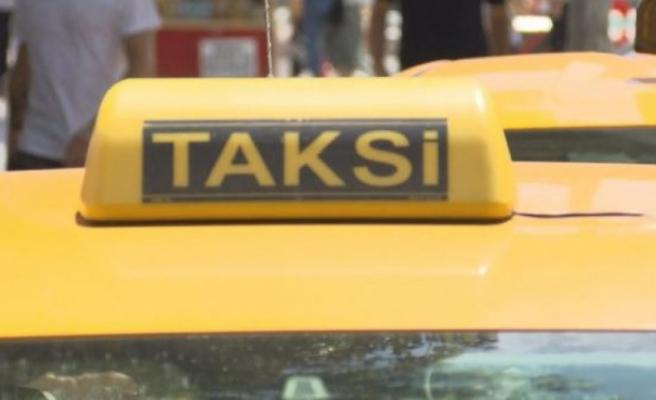 Bakanlık 'taksi' krizinde topu İBB'ye attı