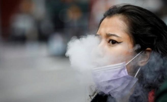 Sigara içenlere koronavirüs aşısından kötü haber