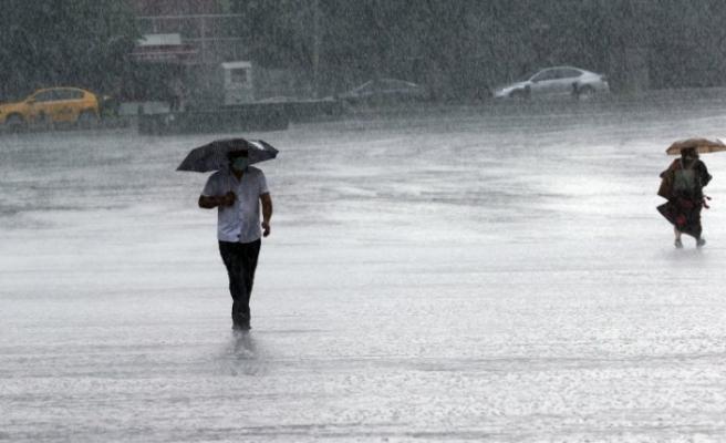 Meteoroloji'den İstanbul dahil pek çok il için uyarı: Metrekareye 100 kilogram...