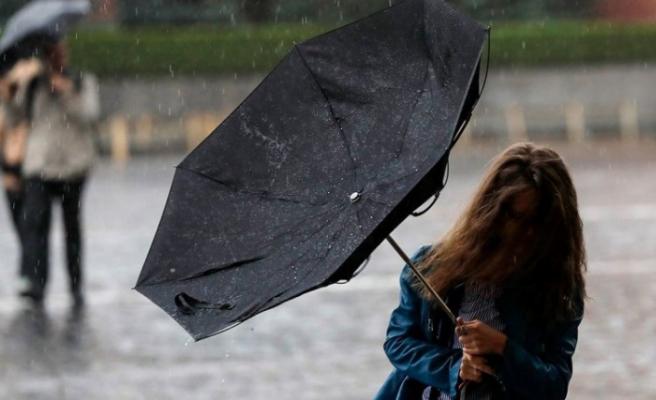 Tedbirinizi alın: Kuvvetli fırtına ve sağanak geliyor!