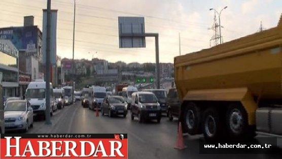 Avcılar'da kaza: Trafik felç oldu