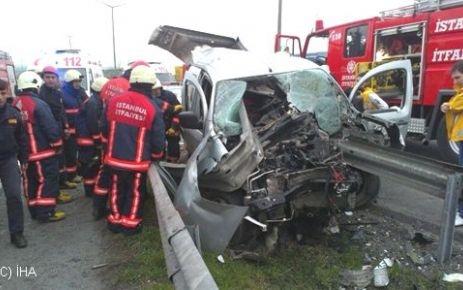 Bariyer Otomobili Biçti: 1 Ölü, 1 Yaralı