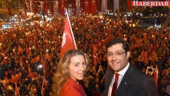 Beşiktaş'ta rekor uzunlukta Fener Alayı
