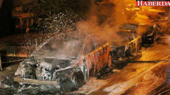 Beyoğlu'nda araçlar kundaklandı