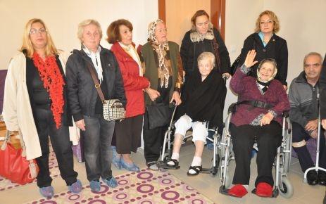 "CHP'li kadınlardan ""huzurlu"" ziyaret"