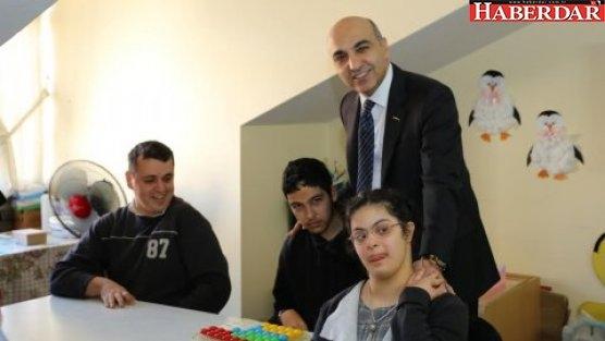 'Engelli çocuklarımızın her zaman yanındayız'