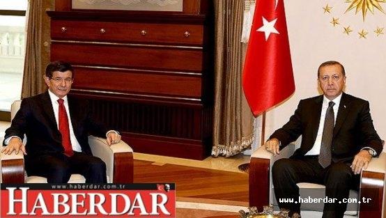 Erdoğan, hükümeti kurma görevini Ahmet Davutoğlu'na verdi.