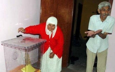 İki seçmenli köyde seçim 10 dakikada bitti