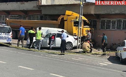 Başakşehir'de hafriyat kamyonu dehşeti!