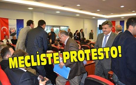MECLİSTE PROTESTO!