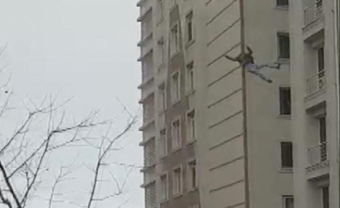 Esenyurt'ta 6. kattan atlayan adam öldü; Düşme anları kamerada