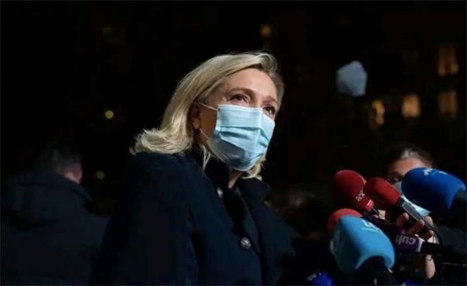 Fransız muhalif lider Marine Le Pen yargıda