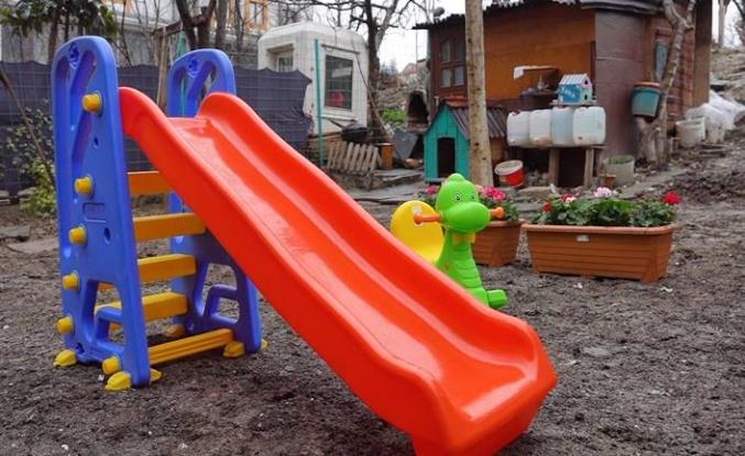 Küçükçekmece Belediyesi: Down Sendromlu çocuğa oyun parkı
