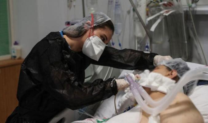 Koronavirüste en kritik hafta! 'Yoğun bakımlarda nefes almadan çalışıyoruz'