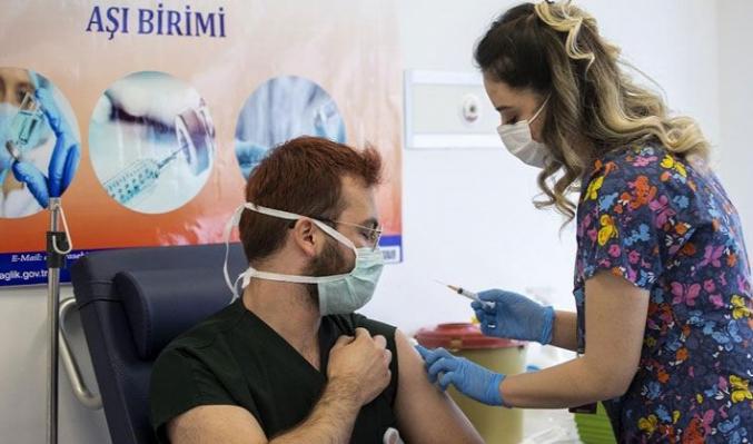 Sağlık Bakanı Koca açıklamıştı...Üçüncü dozda Türk aşısı olur mu?
