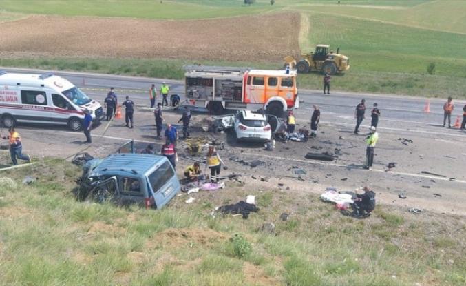 Sivas'ta katliam gibi kaza: 9 ölü!