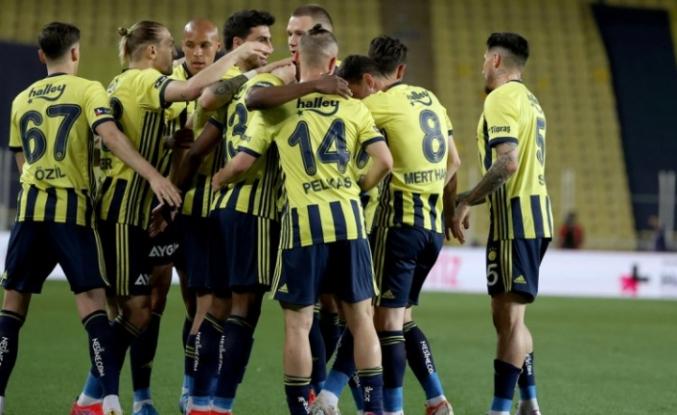 Fenerbahçe 12 sezon sonra ilk peşinde