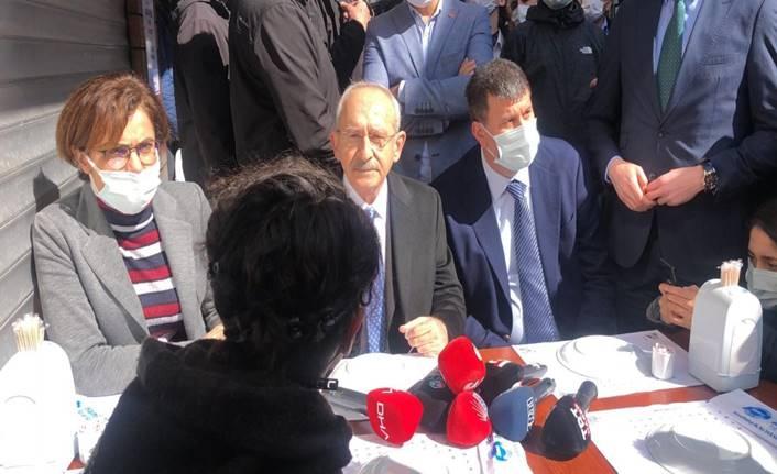 Kemal Kılıçdaroğlu Kadıköy'de esnafı ziyaret etti