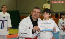 Başkan çocuklarla taekwondo yaptı