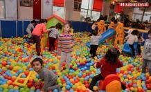 Çatalcalı Çocuklar Tatillerini Yarıyıl Şenliği'nde Geçiriyor
