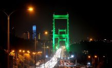 İstanbul'un köprüleri 'serebral palsi' farkındalığı için yeşile büründü
