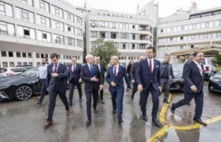 CHP MYK İzmir'de olağanüstü toplandı