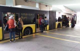 Metrobüs duraklarında karışıklığa son!