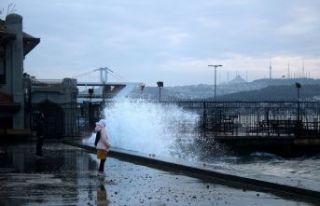 İstanbul lodosa teslim oldu