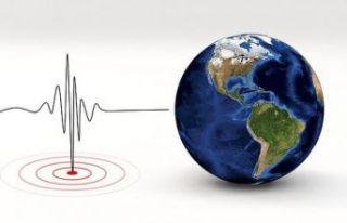 Akdeniz'de üç deprem