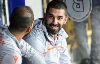 Galatasaray'da taraftar Arda Turan'ı hala...