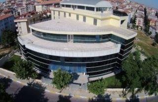 Avcılar'a 'Güçlü ve Yeşil' Belediye Binası...