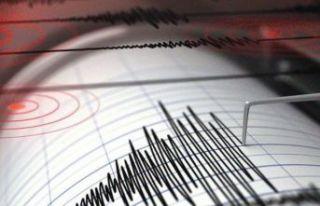 Manisa'da 4.8 büyüklüğünde deprem! İzmir,...