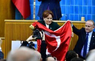 Meral Akşener: Kızılay'ın üzerine leke düşürmeye...