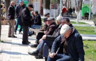 Günler sonra dışarı çıkacak 65 yaş üstü vatandaşlar...