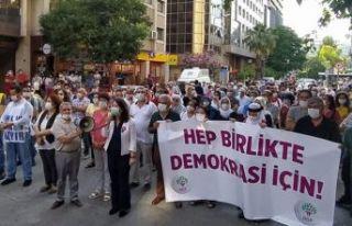 Demokrasi Yürüyüşü'ne 16 kentte yasak geldi