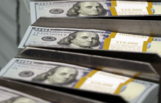 7 TL'yi geçen dolar güne yükselişle başladı