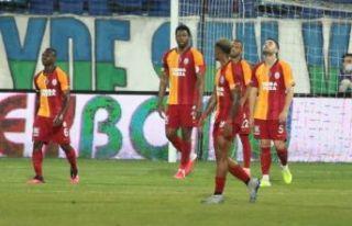 Galatasaray'ın hazırlık maçı Kovid-19 nedeniyle...