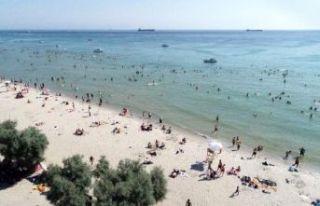 Menekşe Plajı'nda dikkat çeken hafta sonu...