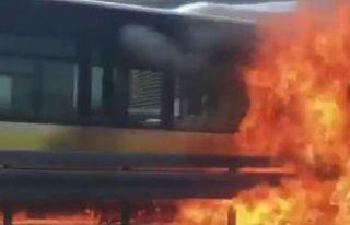 Seyir halindeki metrobüs yandı!