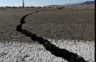 Prof. Dr. Naci Görür Marmara Denizi'ndeki depremi...