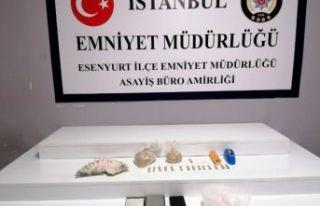 Esenyurt'ta uyuşturucu operasyonu: 2 kişi tutuklandı