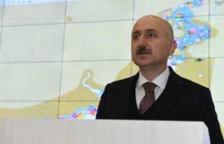 Bakan Karaismailoğlu, Türk gemisinde Akdeniz'de...