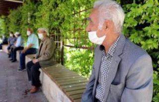 Bakan Koca'dan 65 yaş ve üstüne uyarı: Bu...
