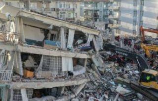 İzmir'de acil olarak yıkılacak bina sayısı...