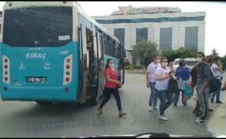 Esenyurt'ta fazla yolcusu olan otobüs trafikten men edildi