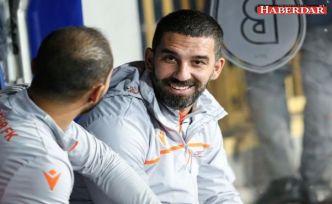 Galatasaray'da taraftar Arda Turan'ı hala istemiyor